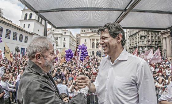 Lula y Fernando Haddad son grandes amigos. Haddad fue ministro de Educación durante los dos Gobiernos del expresidente obrero.