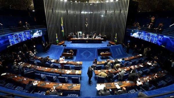 Los brasileños eligieron a los miembros del Senado Nacional y la Cámara de Diputados.