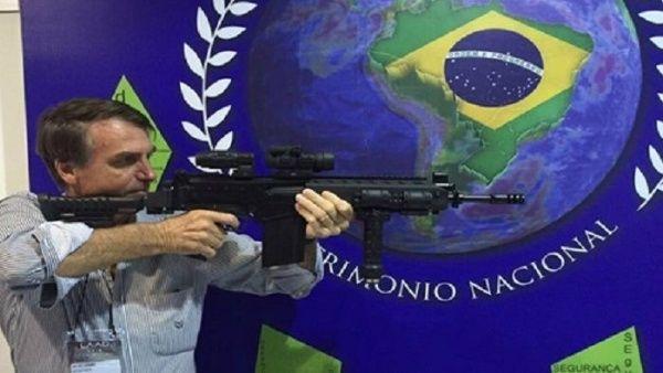 Quizá parte del ascenso abrupto de Bolsonaro se explique por el despliegue de miles de pastores haciendo campaña furiosa por el ex militar en los días previos a la votación.