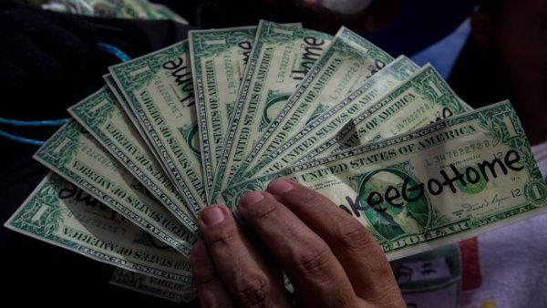 El dólar ya no formará parte de las subastas del Sistema de Mercado Cambiario.