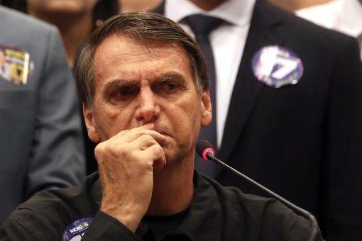 Empresarios que apoyan al candidato Bolsonaro financiaron la compra de paquetes de mensajes para favorecer su campaña electoral.