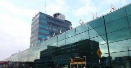 El mandatario peruano Martín Vizcarraconcedió el proyecto del aeropuerto a la empresa Lima Airport Partners (LAP).