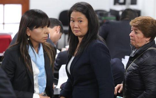 La Fiscalía investiga también a diez personas que también estarían implicadas en el caso.