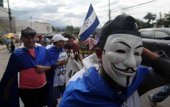 Hondureños se movilizaban pacíficamente a favor de la caravana de migrantes.
