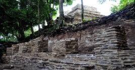 El reino de Izapa es un yacimiento arqueológico ubicado en México, en el cual se han descubierto plazas, canchas de pelota y grandes monumentos tallados.