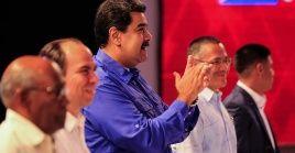"""Maduro resaltó que """"las ideas de Fidel y de Chávez están más vivas que nunca, más vigentes que nunca y las llevamos como bandera de batalla diaria en la construcción de la América nueva""""."""