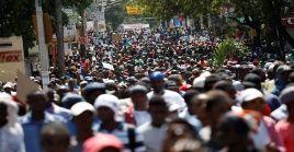 En varias ciudades han tomado las calles para plasmar su molestia.