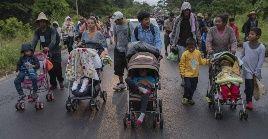 """El Gobierno de la Ciudad de México informó el sábado de la llegada de unos 470 migrantes al estadio """"Jesús Martínez Palillo"""" en la localidad de Magdalena Mixihuca."""