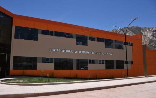 Con una inversión que supera los 50 millones de bolivianos (unos 7.085.360 de dólares) la obra está ubicada en la localidad de Tarapaya.