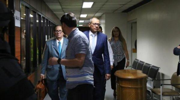 """""""La salud del vicepresidente Jorge Glas se complicó"""", informó el expresidente de Ecuador Rafael Correa."""