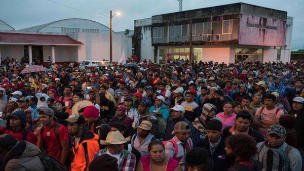 Los migrantes centroamericanos decidirán el rumbo de la caravana al finalizar la reunión con el presidente electo de México.