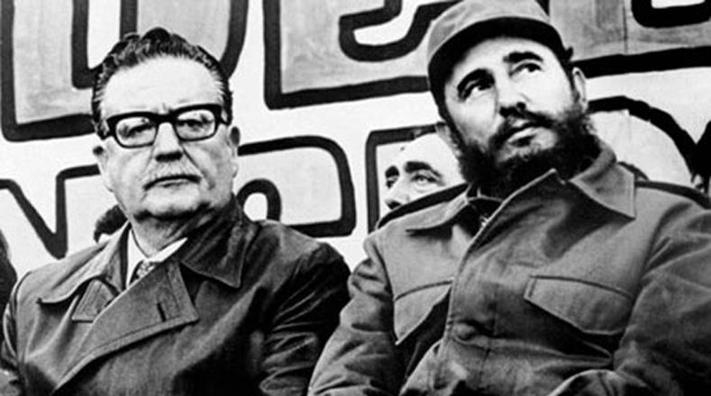 Entre los diferentes encuentros que sostuvo con sectores sociales, destacan los intensos debates con el movimiento estudiantil, sector en el que se reflejaban los diversos enfoques de la izquierda chilena del momento.