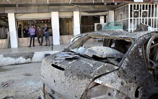 La potente detonación destruyó parte de un restaurante, así como varios inmuebles y una docena de vehículos.