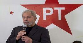 """""""Tenemos que estar preparados para continuar construyendo, junto con el pueblo, las verdaderas soluciones para Brasil"""", dijo Lula en una carta."""