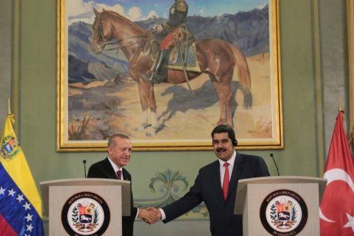 """""""Turquía y Venezuela tenemos una historia grande que construir, una nueva historia superior"""", destacó el presidente venezolano."""