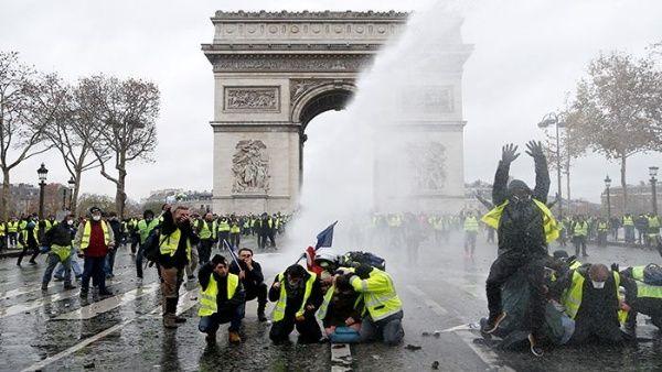 Resultado de imagen para chalecos amarillos francia