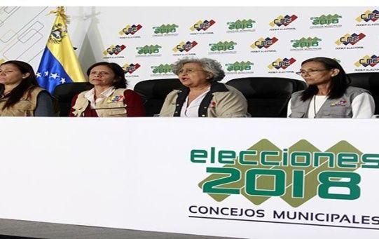 Durante la rueda de prensa, la titular del CNE agradeció a los electorales que se movilizaron para ejercer el derecho al sufragio.