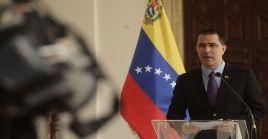 """""""En Venezuela hay más de cinco millones de colombianos que han sido asumidos plenamente, sin mendigar recursos por el mundo"""", dijo el canciller de Venezuela, Jorge Arreza."""