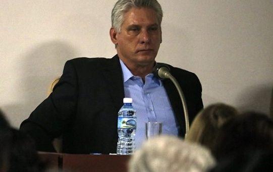 Miguel Díaz-Canel resaltó la importancia de que los factores de la economía trabajen integrados, con la empresa estatal como centro y su vinculación con la inversión extranjera, las empresas mixtas y otras formas de propiedad como la privada.