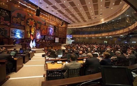 Legisladores ecuatorianos votaron a favor de los cambios a la Ley de Comunicaciones impulsada por Lenín Moreno.