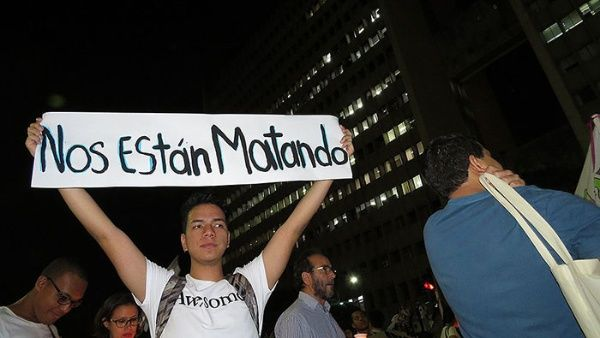 Los defensores de los derechos humanos denuncian el asesinato sistemático de los líderes sociales colombianos.
