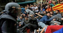 Medios locales reseñaron que durante las protestas se han registrado entre 60 y 70 personas heridas hasta el momento.