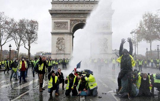 Las concesiones realizadas por Macron hacen que diversos expertos consideren a los chalecos amarillos como uno de los movimientos más exitosos en la historia.