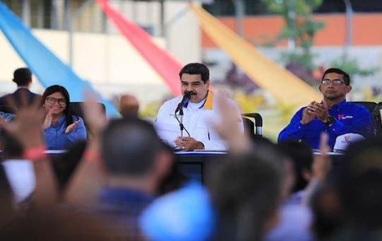 El presidente Maduro llamó al pueblo venezolano a estar atentos ante los ataques contra el país.