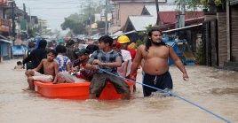 Cientos de filipinos han sido evacuados por las inundaciones provocadas por la tormenta Usman.