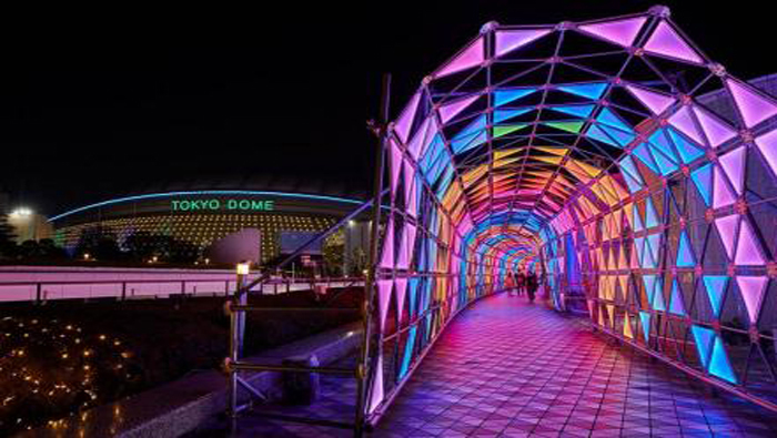 El estadio Tokyo Dome City se caracteriza por su creatividad, que atrae a miles de extranjeros cada fin de año.