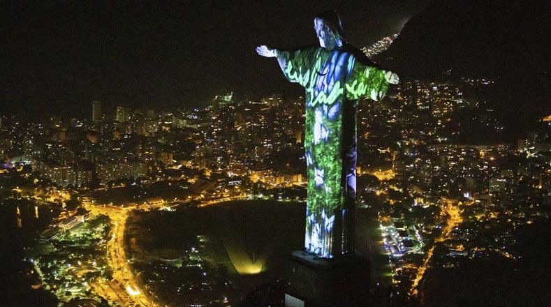 La ciudad de Río de Janeiro  se llena de luces para celebrar la llegada del 2019.
