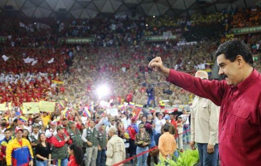 ¡Decidimos nuestro destino y lo haremos respetar! ¡Nunca traicionaremos a la Patria! aseguró el presidente Nicolás Maduro.