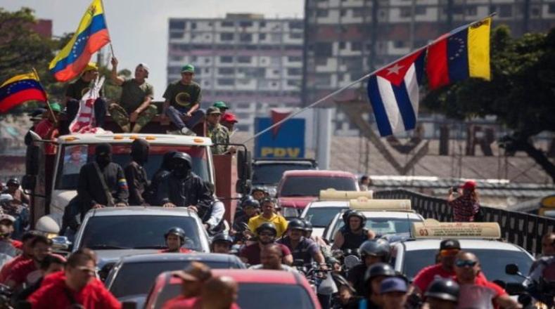 Durante esta semana, barrios populares de Caracas y campesinos y obreros de estados del país se movilizaron en lealtad al presidente Nicolás Maduro, a raíz de la toma de su segundo mandato, que se realizará este jueves 10 de enero.