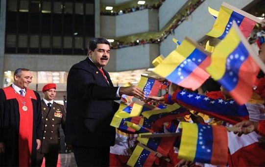 El presidente Nicolás Maduro instó a los gobiernos de la región a realizar un encuentro regional.
