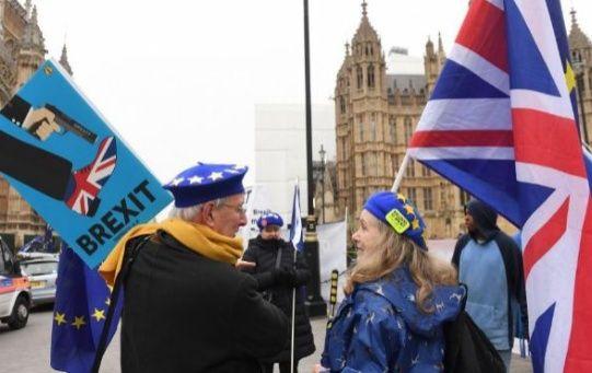 El próximo martes, el Parlamento británico debe votar el acuerdo alcanzado entre Londres y Bruselas para la salida del Reino Unido de la UE.