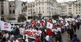 Gremios peruanos han denunciado que la reforma laboral de Vizcarra atenta contra los derechos de los trabajadores.
