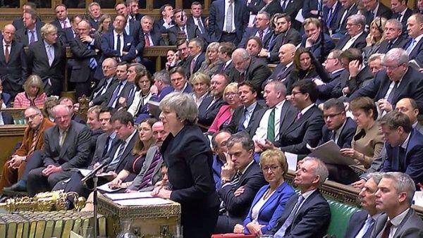 Theresa May cuenta con el apoyo necesario para superar la moción en su contra.