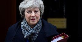 El líder el partido Laborista británico Jeremy Corbyn presentó una moción de censura contra May, sin embargo, la primera ministra dijo que se sometería a una votación sobre su continuidad en un plazo de 24 horas.