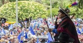 El binomio Evo Morales-Álvaro García Linera recibió el apoyo de más de 60.000 indígenas quechuas a una semana de la celebración de las elecciones primarias.