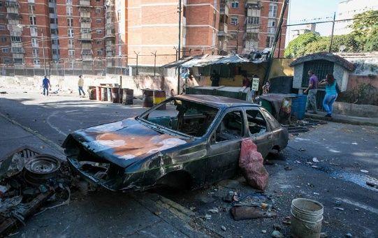 Grupos violentos de la derecha venezolana han realizado diversos actos vandálicos en los últimos días, con el fin de generar zozobra y desestabilización en el país.