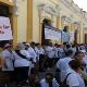 Los manifestantes lamentaron la actitud del Legislativo y aseguraron sentirse engañados por el Gobierno.