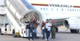 El Gobierno del presidente Nicolás Maduro dispuso autobuses especiales y tres vuelos comerciales para atender a los venezolanos.