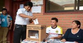 El mandatario destacó los avances en la democracia de la nación andina, donde se celebran por primera vez elecciones primarias.