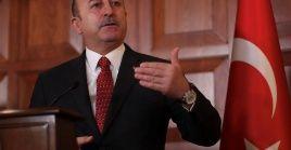 """""""Si nos enfocamos en cómo solucionar los problemas en lugar de polarizarnos, ayudaremos más a Venezuela"""", indicó el ministro turco."""