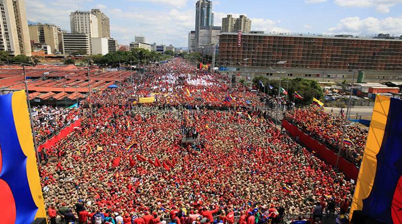 La Avenida Bolívar, una de las principales arterias de la capital, fue el escenario de otra histórica movilización del chavismo.