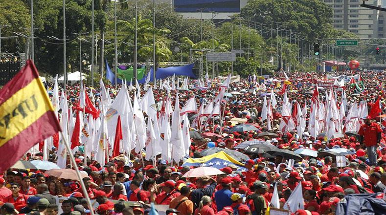 Ante un nuevo intento por desestabilizar la paz social del país, el chavismo se ha mantenido con fuerte presencia en las calles en todo el territorio nacional.
