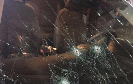 a unidad recibió disparos en el parabrisas y en la parte del copiloto, donde según primeros reportes, viajaba el diputado.
