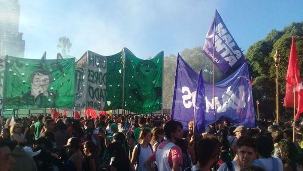 1570154a59 Reprimen marcha en Argentina contra golpe de Estado en Venezuela ...