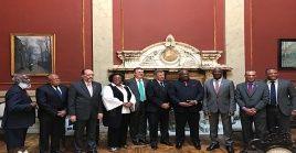 Los cancilleres de México y Uruguay junto a representantes de Caricom suscribieron un mecanismo para propiciar el diálogo en Venezuela.