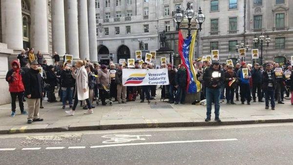 La protesta fue organizada por la Campaña en Solidaridad de Venezuela (SVC).